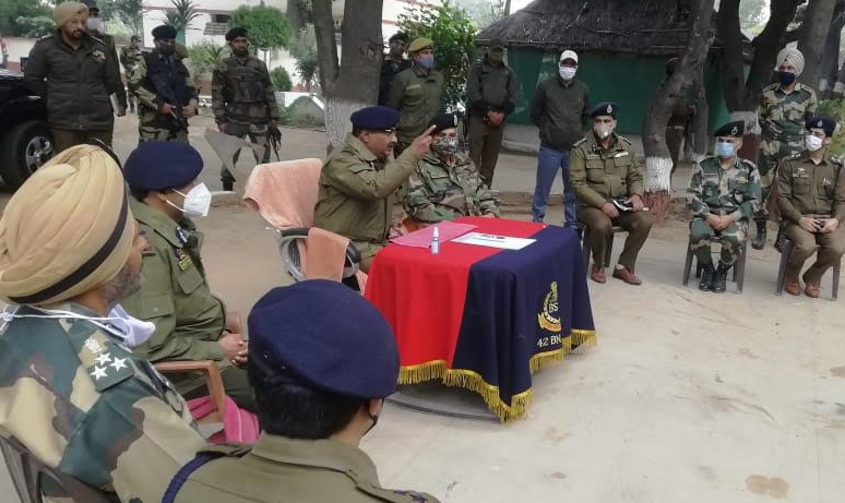'DGP visits Arnia border Jammu, rewards BSF personnel Says joint efforts must to achieve desired and bigger results'